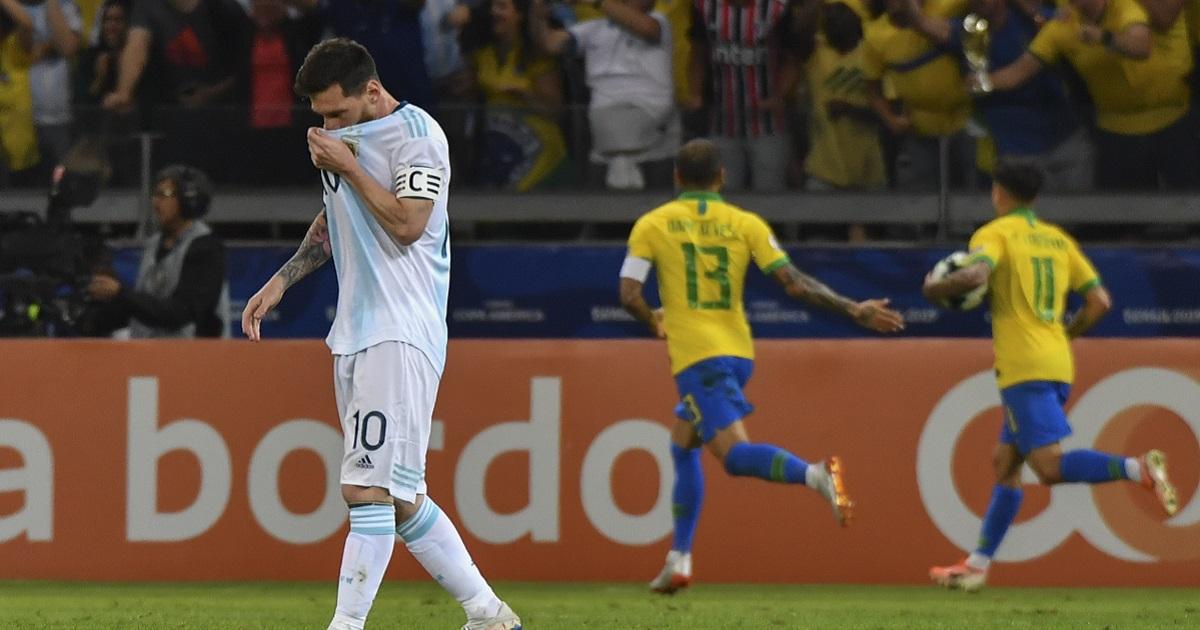 Duras declaraciones de Messi contra la actuación arbitral generan dudas