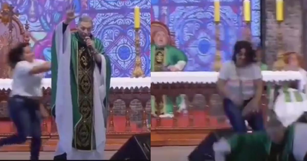 Video: Mujer irrumpe en misa y empuja fuertemente a sacerdote en la tarima