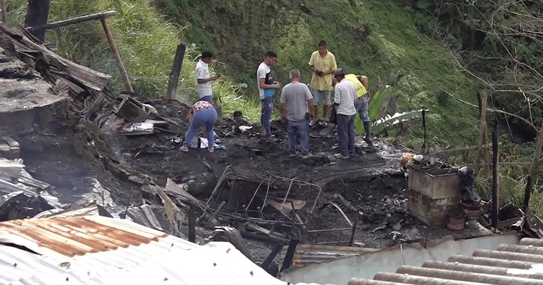 40 familias damnificadas por incendio en Armenia