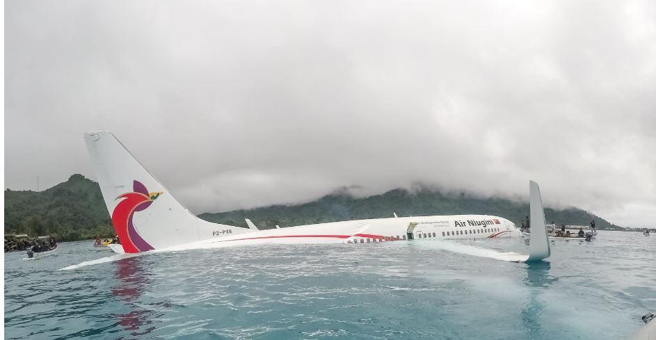 (Video) Así se vivió desde la cabina el choque de un Boeing 737 contra el mar en Oceanía