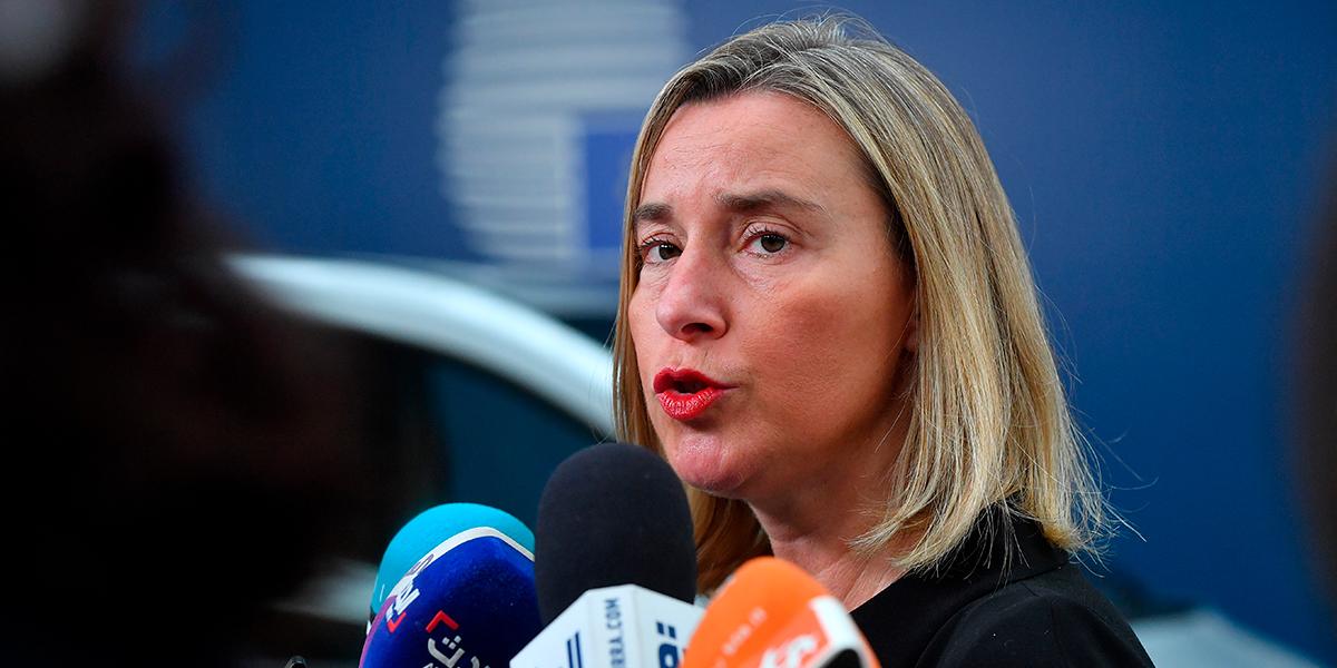 UE amenaza con sanciones a Caracas si no hay 'resultados concretos' en diálogo en Barbados