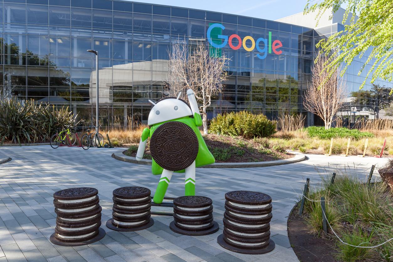 Google admite escuchar conversaciones a través del celular