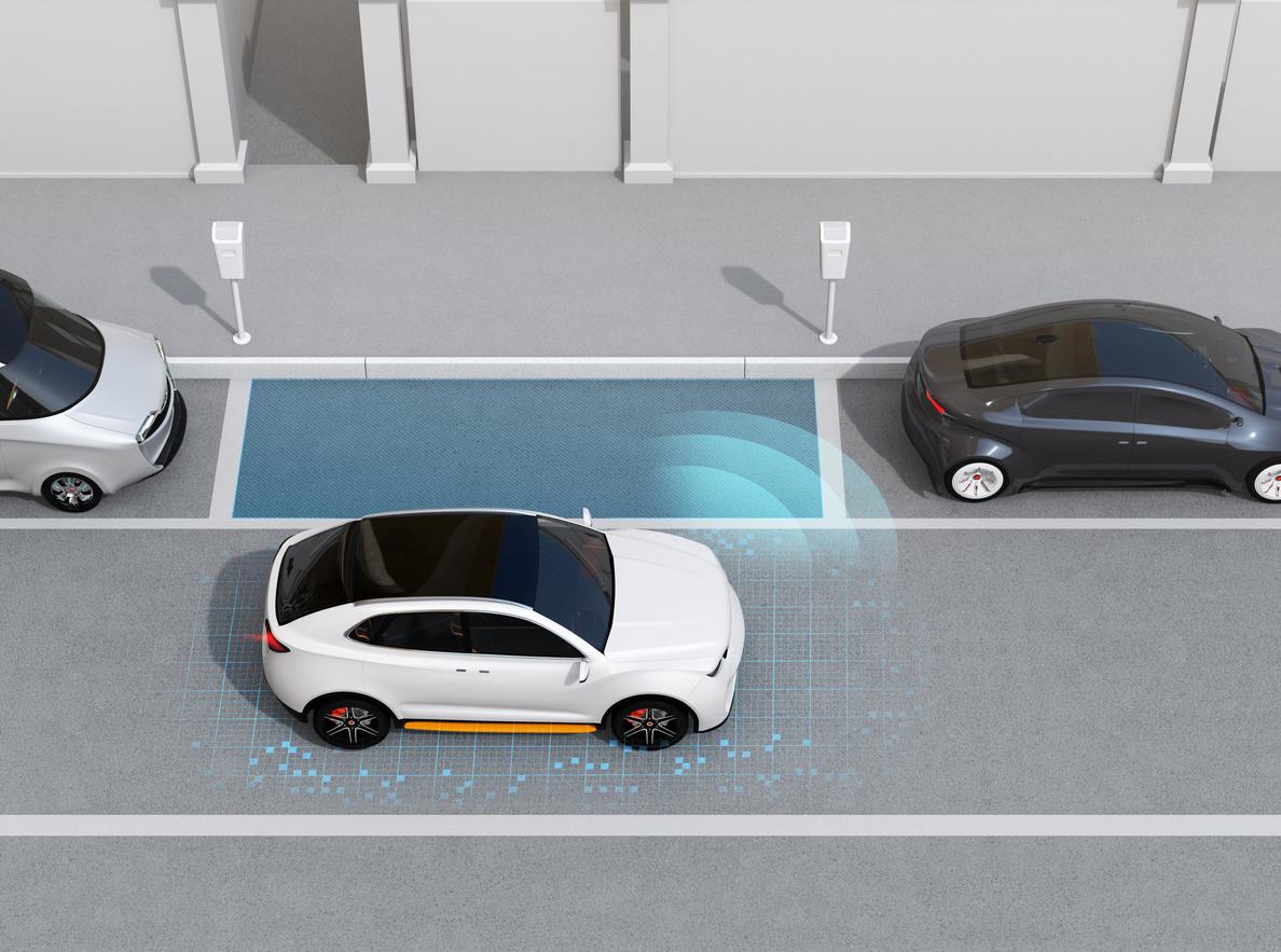 (Video) ¿Cómo se estaciona un carro en paralelo? Así se hace en tres simples pasos