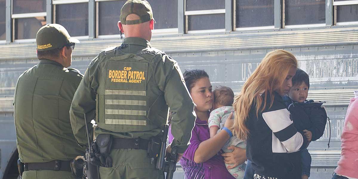 Al menos 18 bebés menores de 2 años fueron separados en frontera de EE. UU.