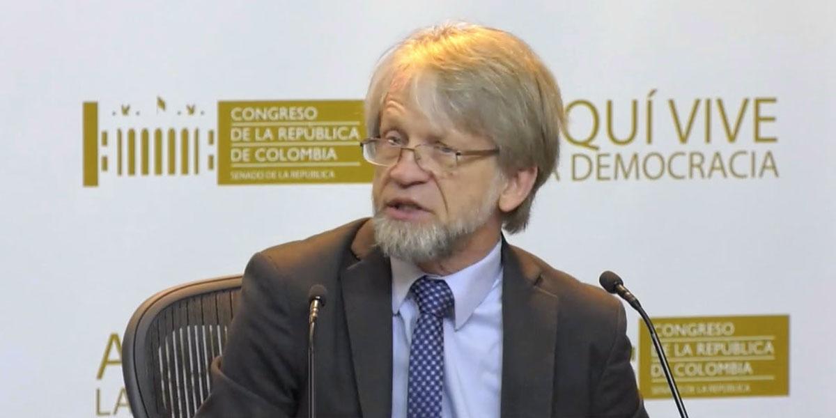 Se enreda en el Consejo de Estado la investidura del senador Antanas Mockus