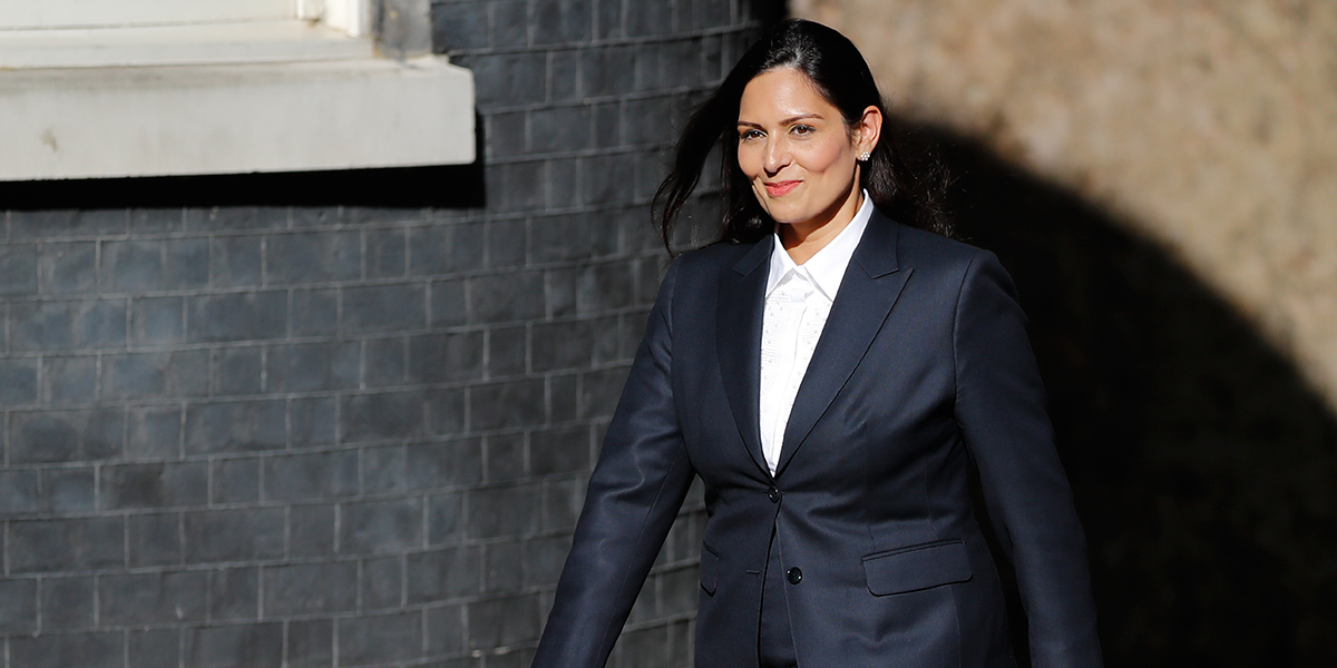 Johnson nombra a Priti Patel, nueva ministra del Interior del Reino Unido
