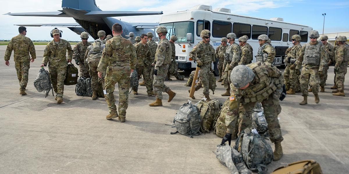 EE. UU. solicita 1000 soldados adicionales para manejar crisis migratoria en Texas
