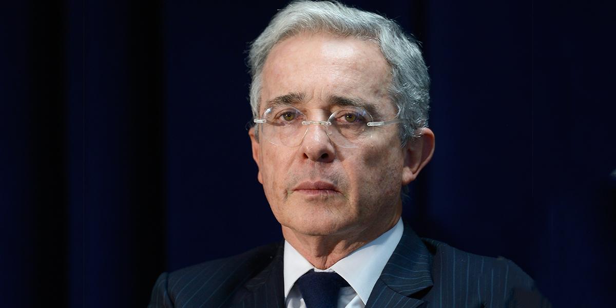 'No importa que interceptaciones ilegales las hayan vuelto legales': Uribe a Corte Suprema