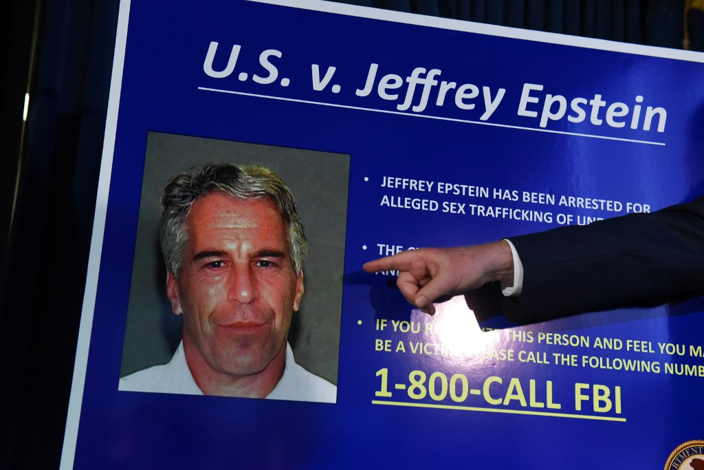 El magnate Jeffrey Epstein apareció muerto en su celda: enfrentaba cargos por tráfico de menores