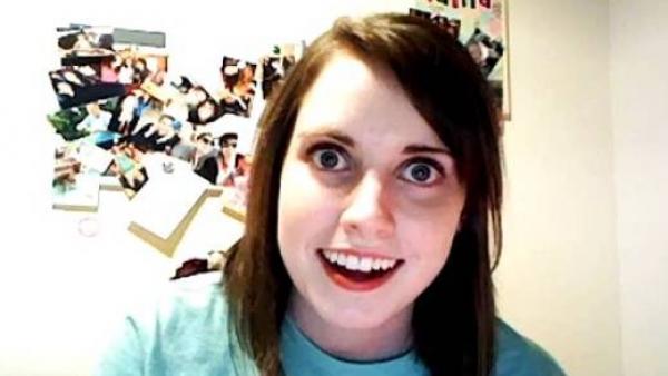 Joven de meme «novia psicópata» confiesa su triste historia y así se ve actualmente