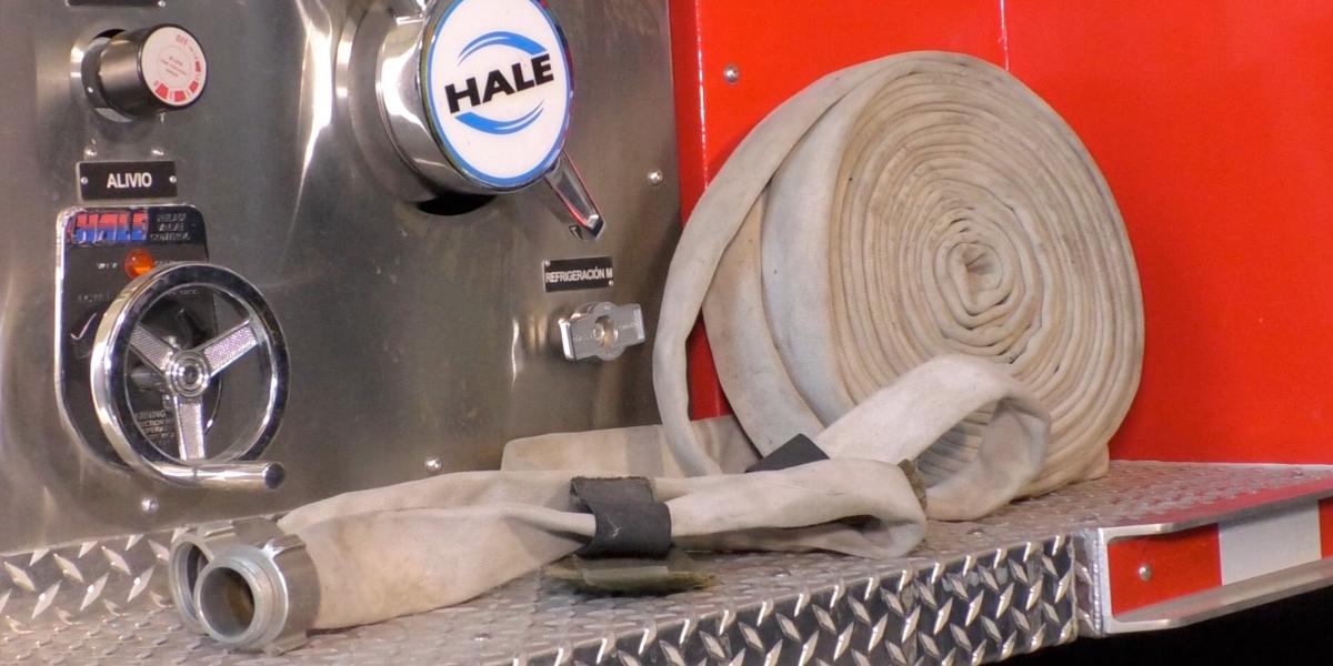 En medio de incendio forestal, se roban la manguera del carro de bomberos en El Tambo, Cauca