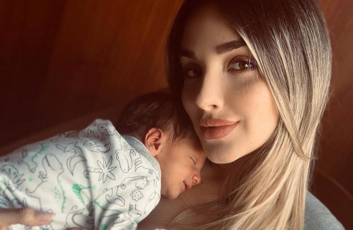 Melina Ramírez da ejemplar respuesta a mal intencionados que cuestionaron el sexo de su hijo