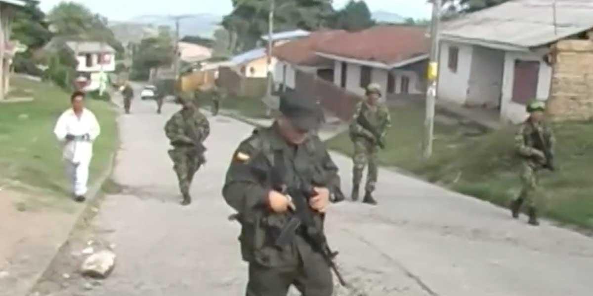 Combates entre disidencia de las Farc y paramilitares habrían dejado varios muertos en Cauca