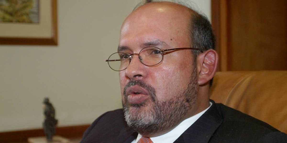 Por vencimiento de términos, queda libre el exmagistrado Francisco Ricaurte