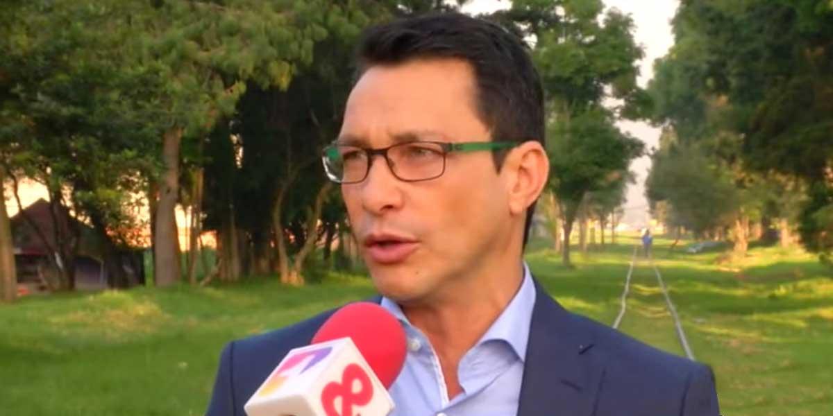 El regaño de la Flip a Carlos Caicedo por su fuerte campaña de videos 'antiperiodistas'