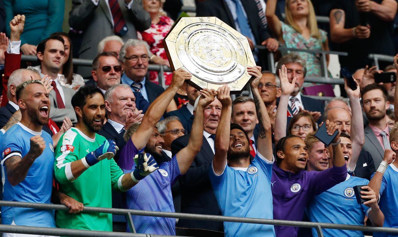 Con Claudio Bravo figura, Manchester City se consagró por penales en la Community Shield