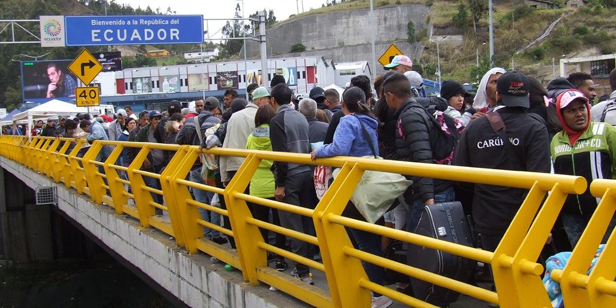 Desde este lunes Ecuador empieza a exigir visa a los venezolanos