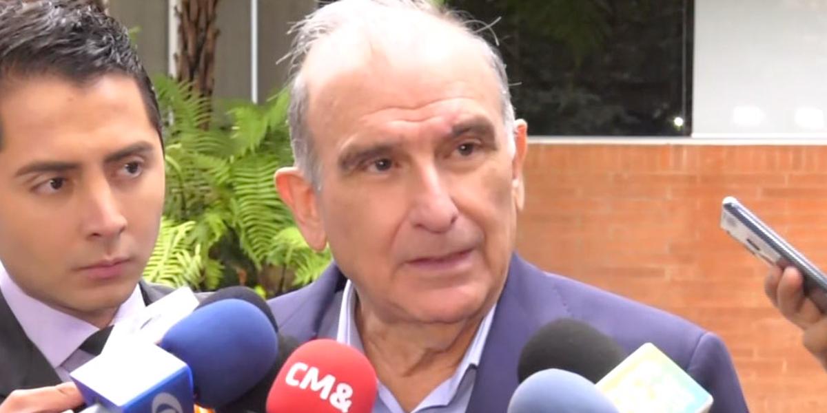 Ataques del Gobierno conllevaron a malas decisiones de comandantes de Farc: exnegociadores de paz