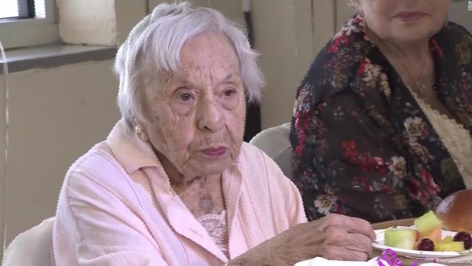 «No hay que casarse»: El secreto de mujer de 107 años para vivir tanto