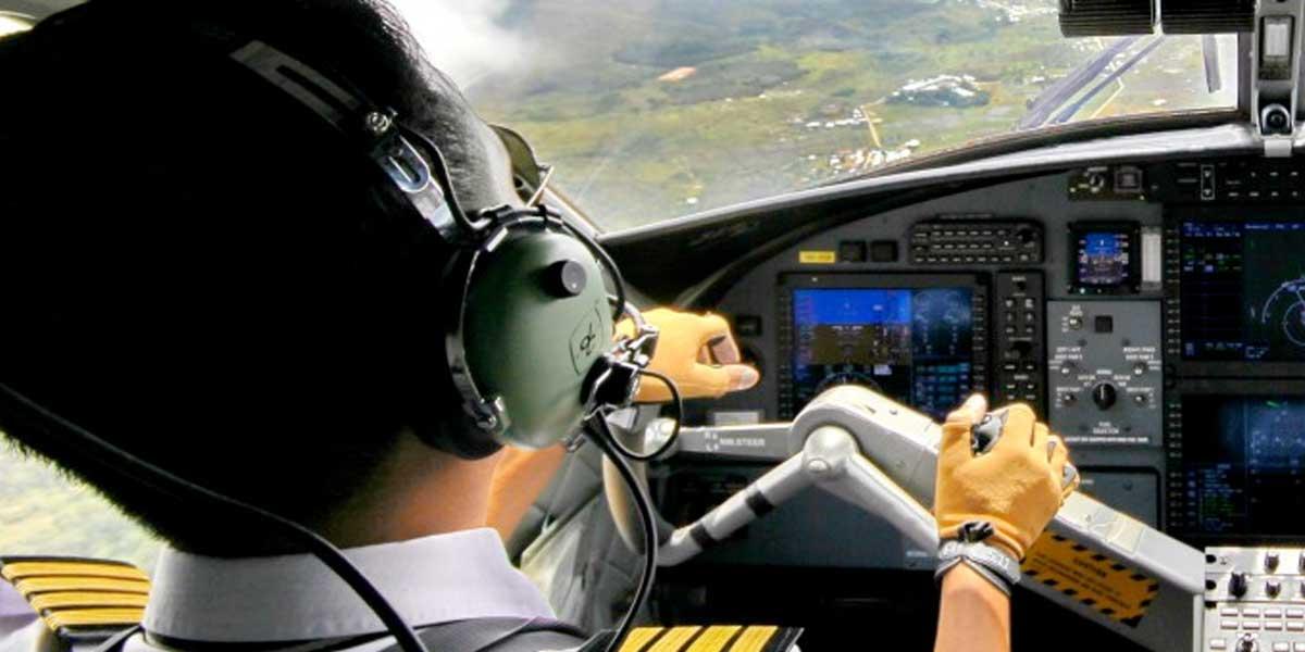 Piloto colombo-japonés, condenado a 8 años y medio de prisión por irregularidades con su licencia
