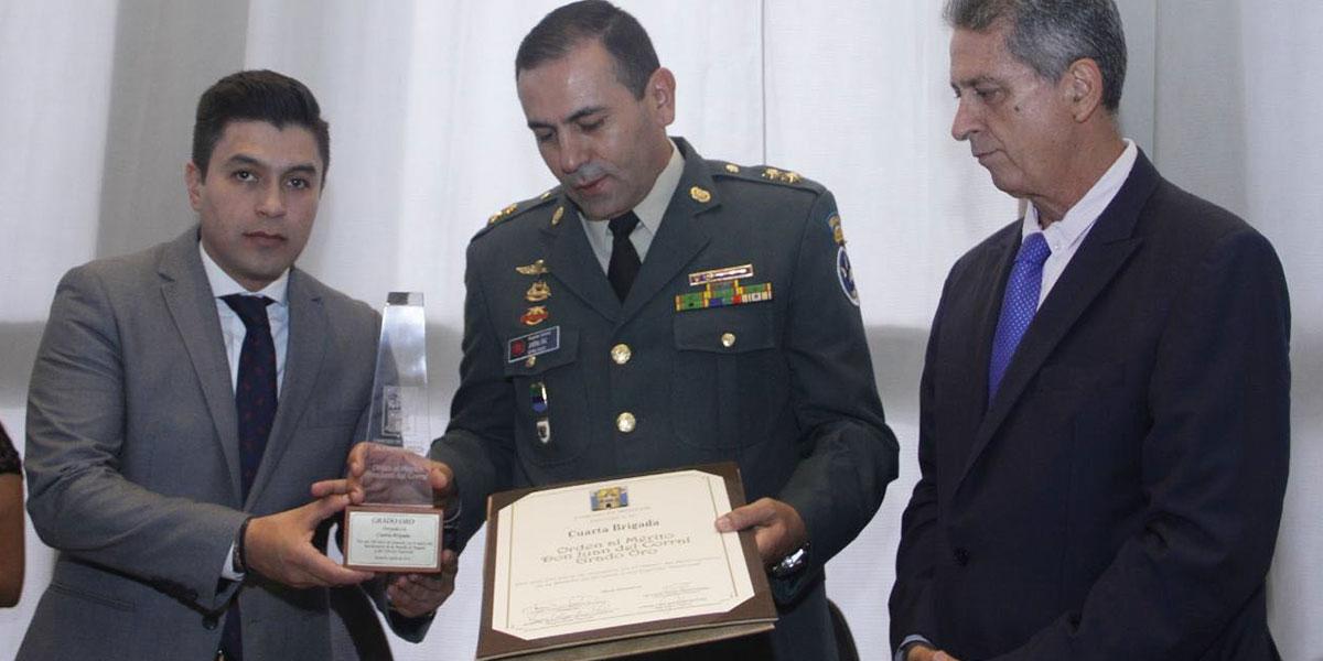 La polémica condecoración a la Cuarta Brigada del Ejército que es investigada por corrupción
