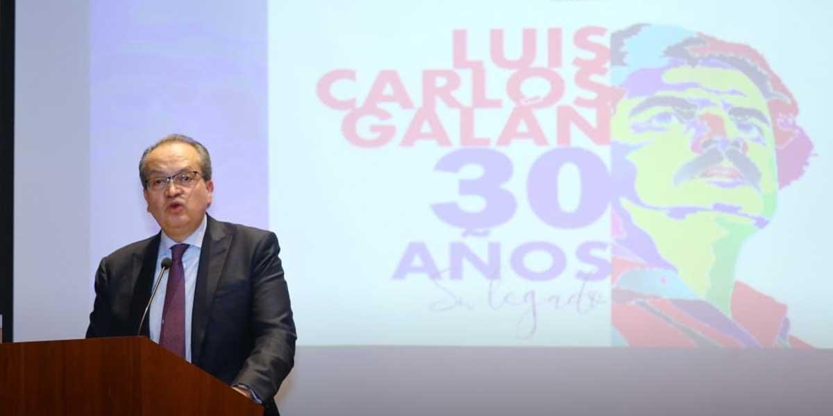 El homenaje del procurador Fernando Carrillo a Luis Carlos Galán