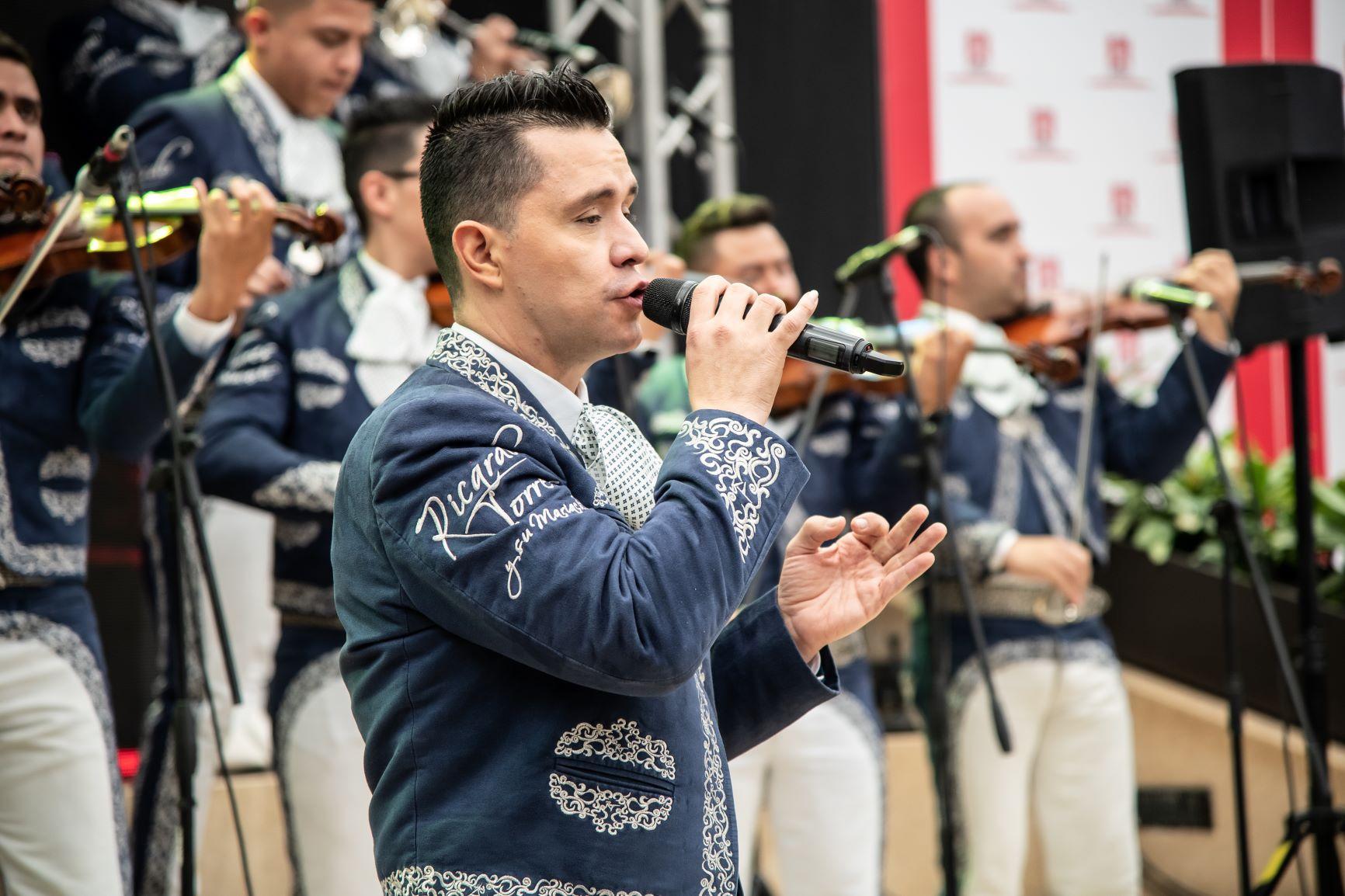 Los problemas legales que tuvo Ricardo Torres para ponerle nombre a su grupo de mariachis