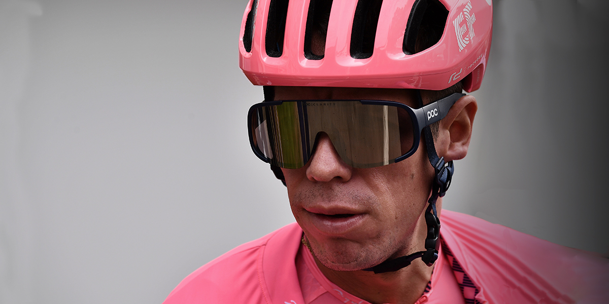Rigoberto Urán se retira de La Vuelta a España tras sufrir una nueva caída