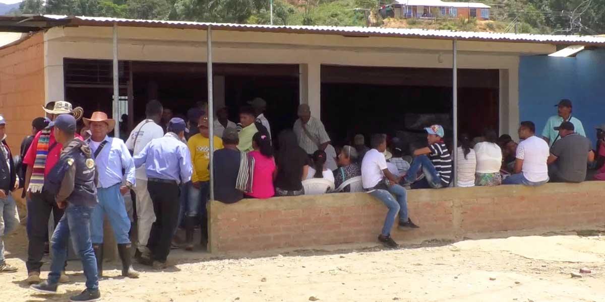 Más de 500 desplazados provoca el fuego cruzado entre Ejército y disidencias de las Farc en el Cauca