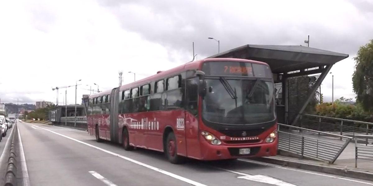 Por presunta imprudencia, mujer murió tras ser arrollada por un bus de Transmilenio