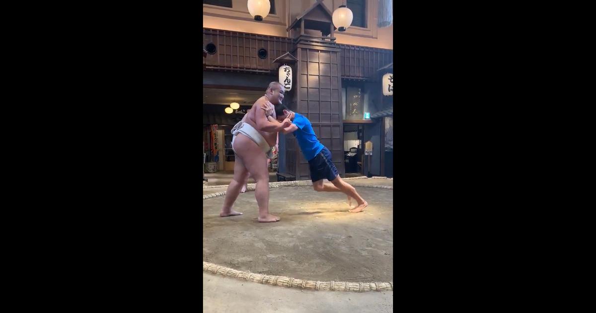 Djokovic se enfrentó a profesionales de sumo en Japón y su impotencia fue más que evidente