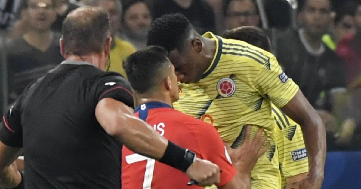Yerry Mina se molesta por agresión mientras se tomaba fotos con hinchas en Miami