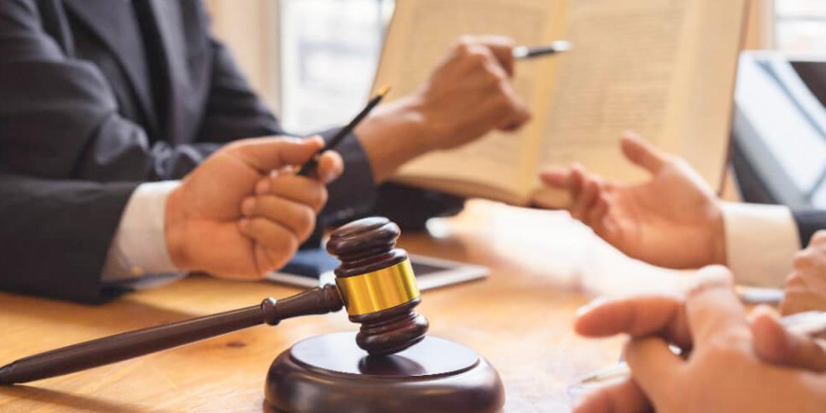 Cada día son sancionados cinco abogados en Colombia