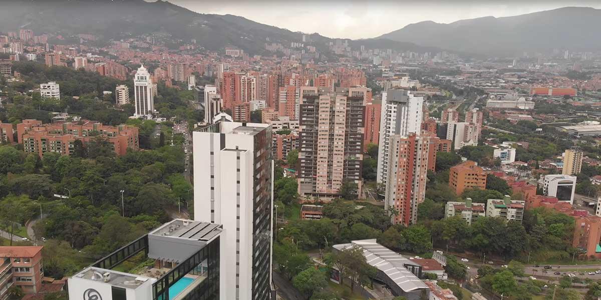 Medellín decreta pico y placa todos los sábados de octubre por la calidad del aire