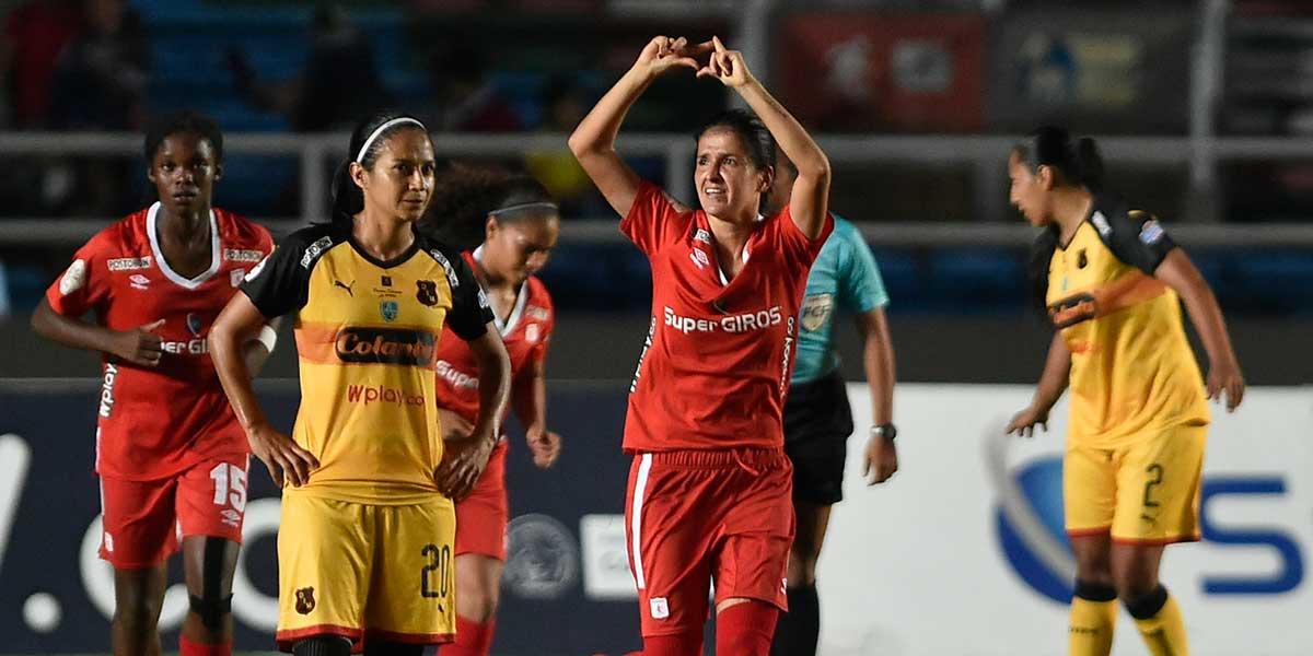 América pegó primero en la final femenina del fútbol colombiano