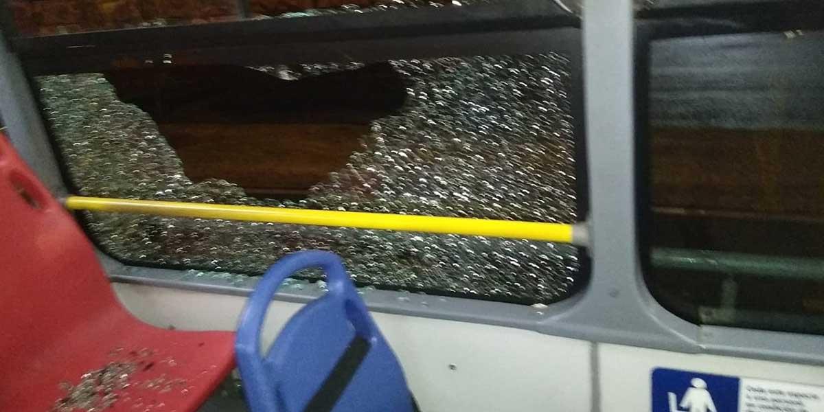 Al menos 150 vehículos han sido vandalizados en dos días de protestas de transportadores