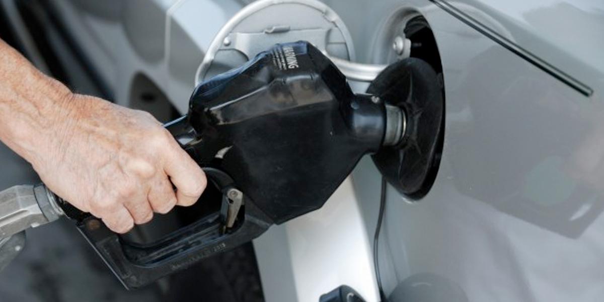 Alivio para el bolsillo: el precio de la gasolina no subió en septiembre