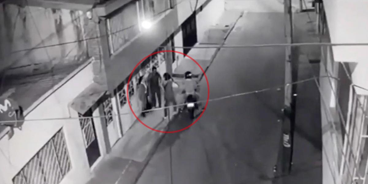 Videos de seguridad demuestran que está disparado el robo de celulares en Usaquén