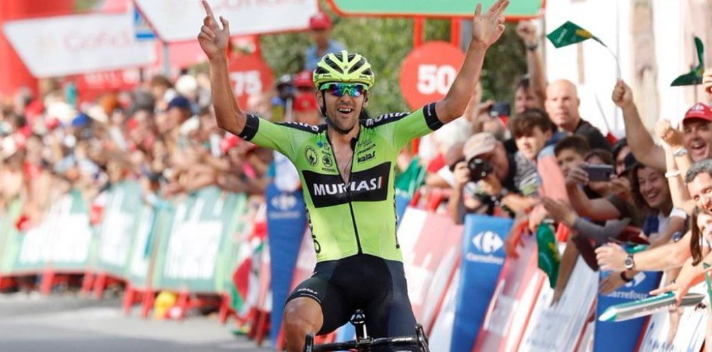 Nuevamente una escapada 'coronó' y ganó la etapa de Vuelta a España; Roglic mantiene el liderato