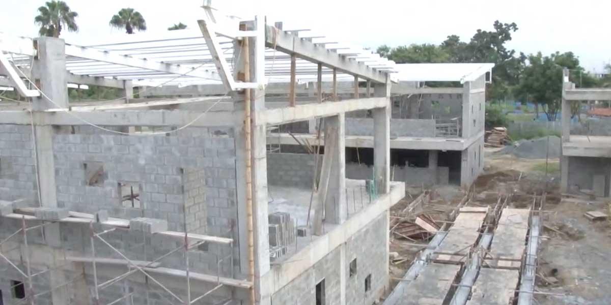 Por obras inconclusas en megacolegios, 15 mil estudiantes se han visto afectados