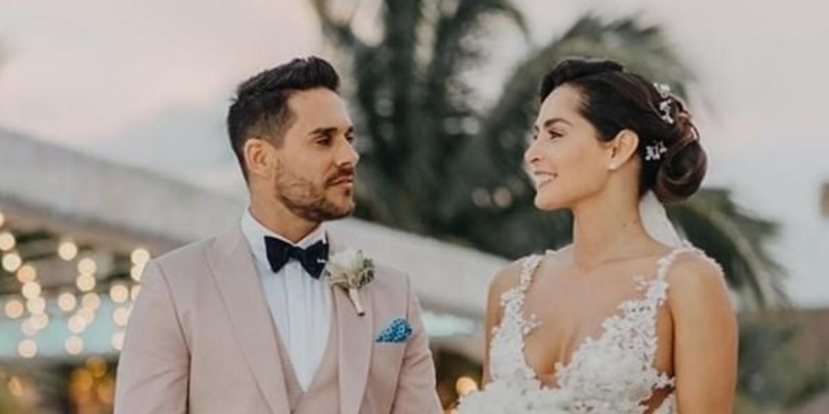 """A Carmen Villalobos le dicen que """"se le juntó el ganado"""" por esta foto en su matrimonio"""