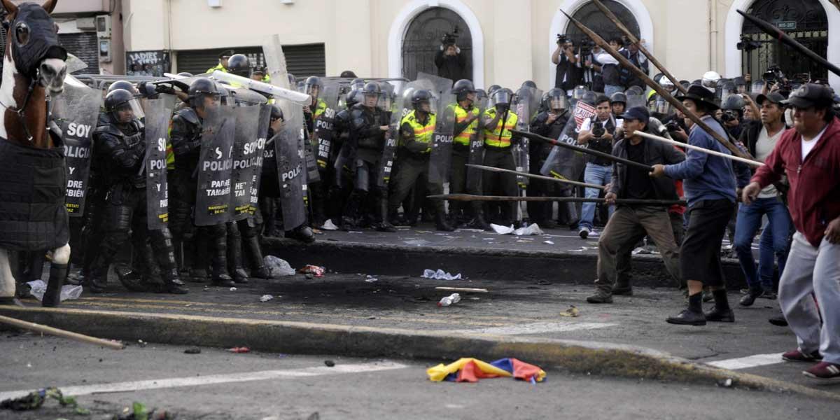 Estado de excepción en Ecuador tras protestas por alza en precio de combustible