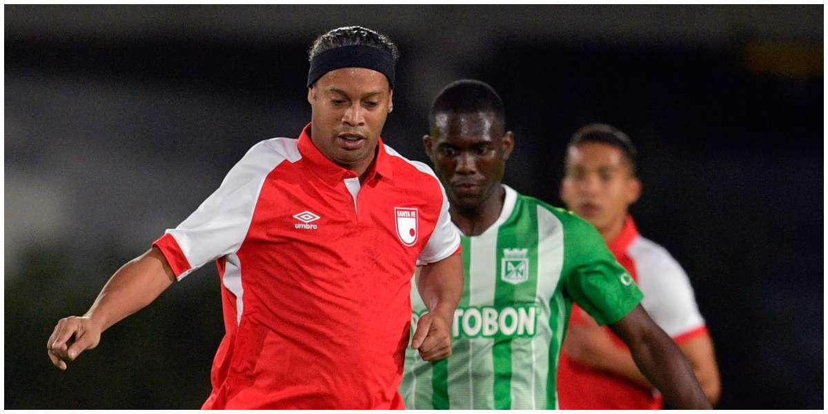 Ronaldinho no aguantó y salió llorando del estadio El Campín