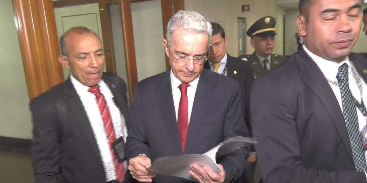 Encuesta   Amplia mayoría de colombianos apoya llamado a indagatoria de Uribe