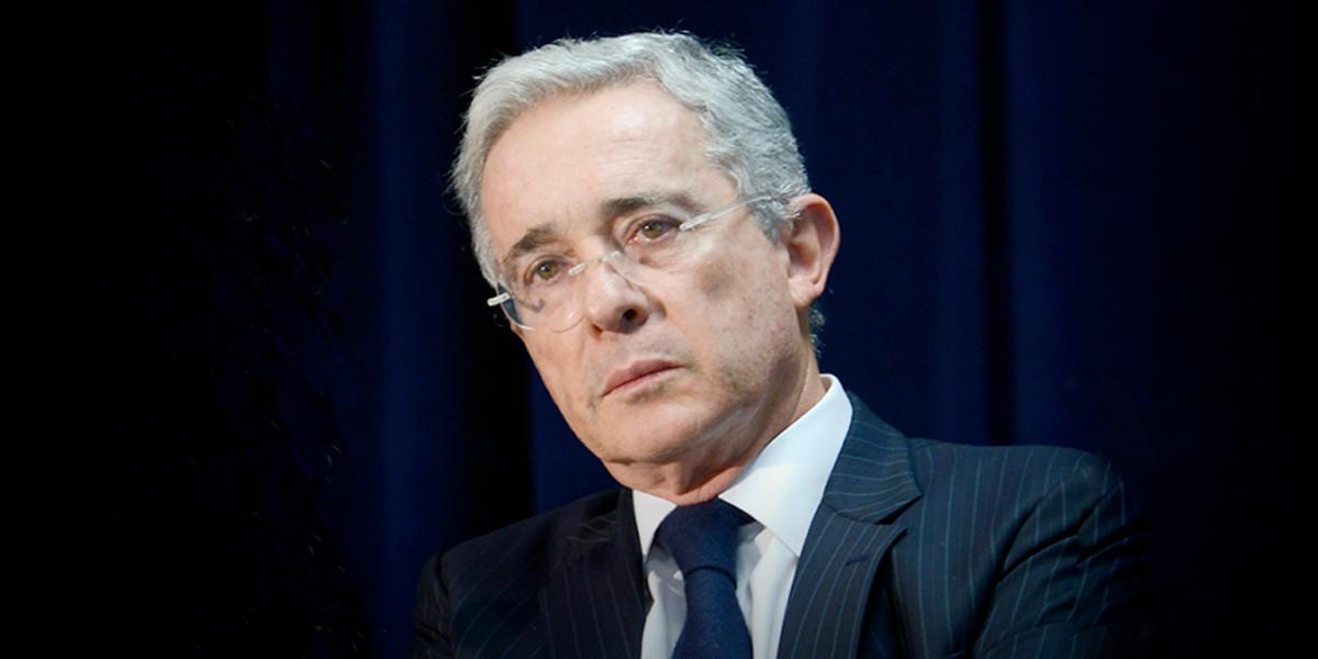 La prima adicional del expresidente Álvaro Uribe, a punto de hundirse en el Congreso
