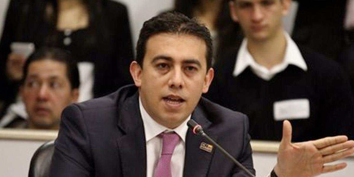 Nuevo registrador Alexander Vega mantendrá silencio hasta después de las elecciones