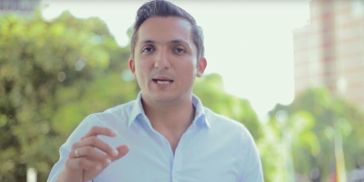 Abren investigación y suspenden provisionalmente al alcalde de Pereira por presunta participación en política