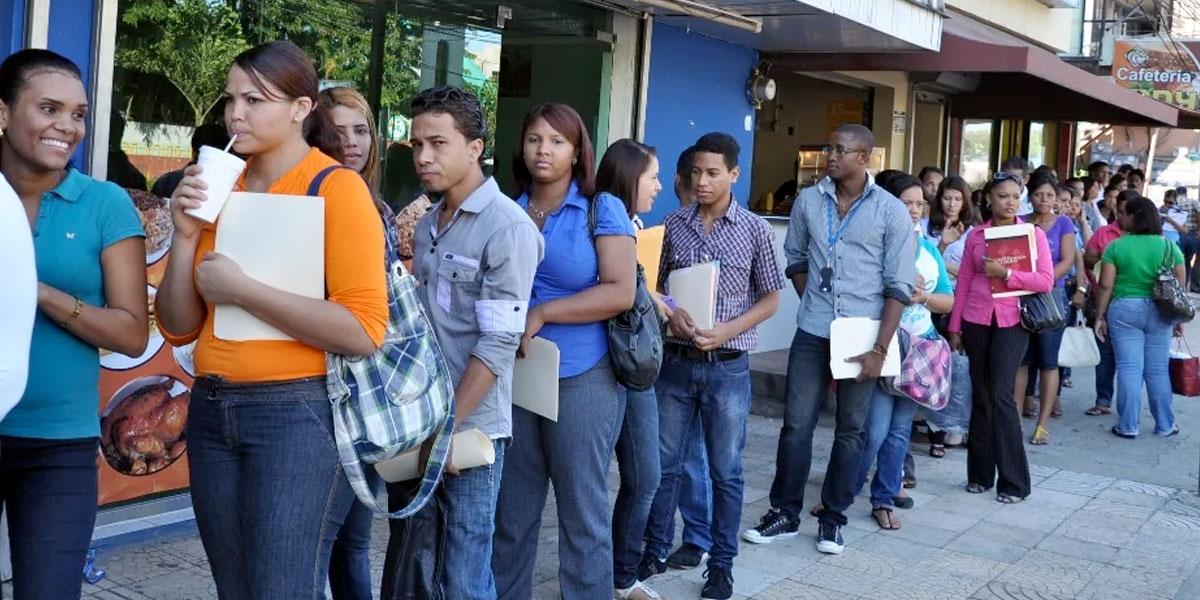 Vuelve y juega: tasa de desempleo sigue al alza, paso de 9.5 % a 10.2 %