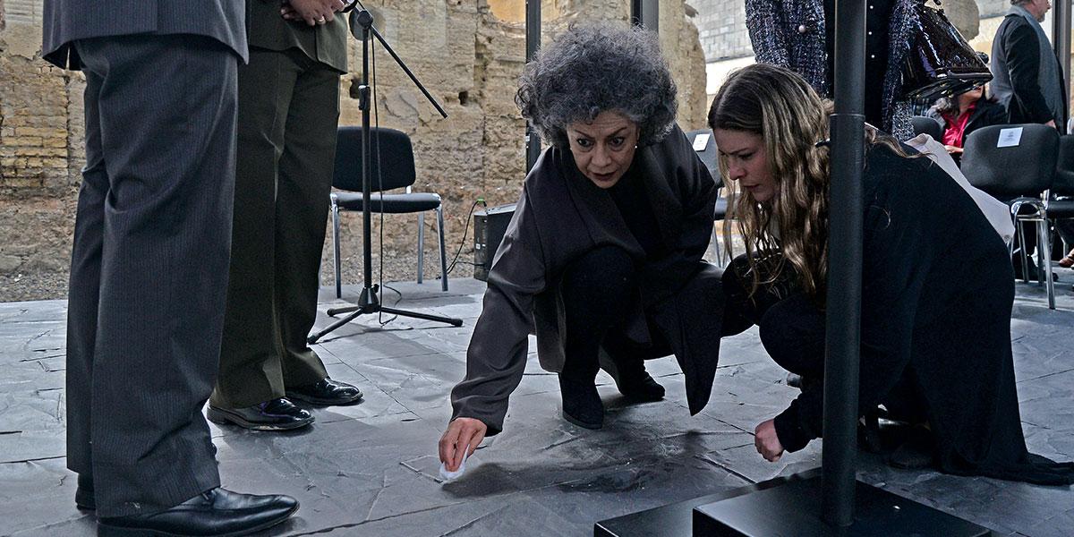 La artista colombiana Doris Salcedo gana el Premio Nomura, que entrega un millón de dólares