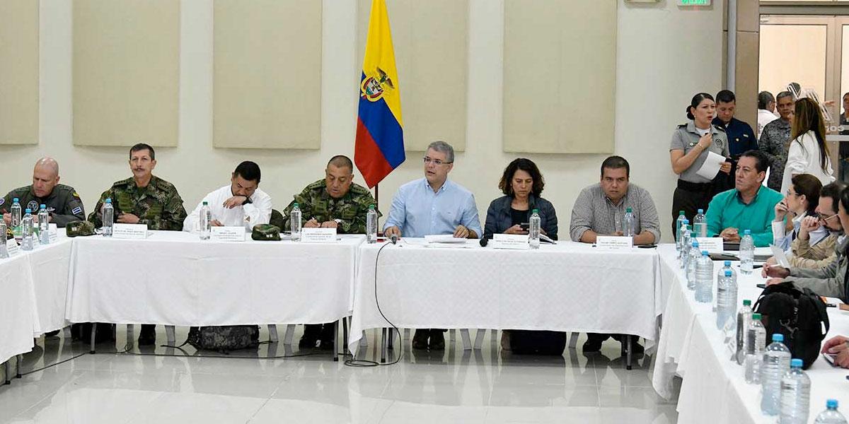 Presidente Duque promete aumentar el pie de fuerza en el Cauca tras masacre indígena